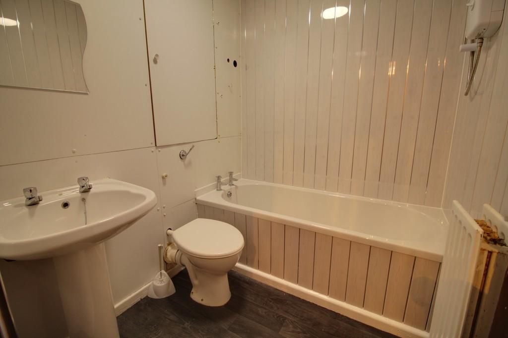 Image 10/11 of property Moss House Close, Birmingham City Centre, B15 1HE