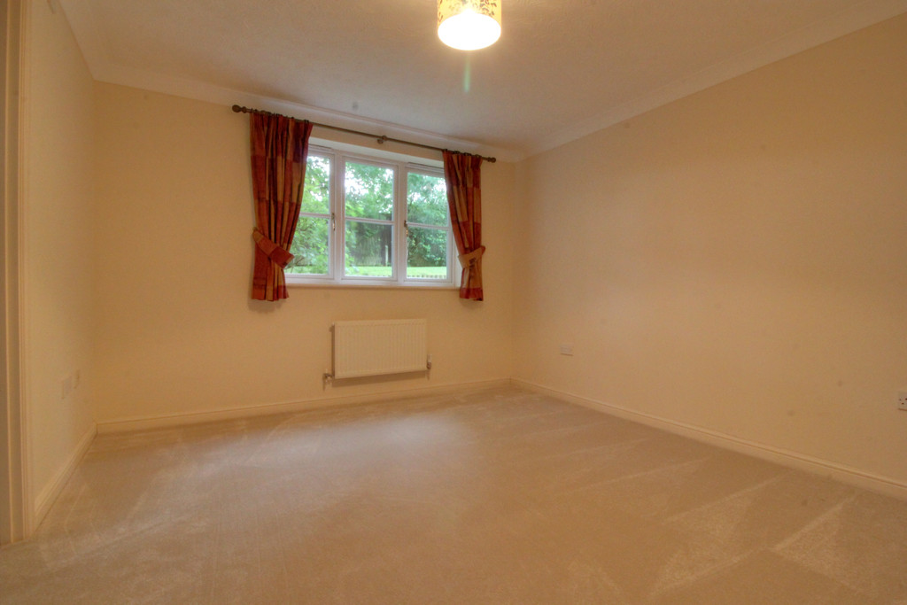Image 6/11 of property Oakhill Close, Birmingham, B17 8DE