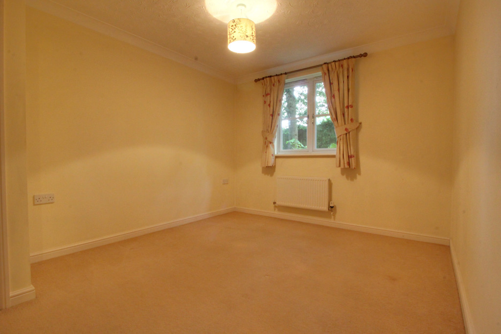 Image 7/11 of property Oakhill Close, Birmingham, B17 8DE