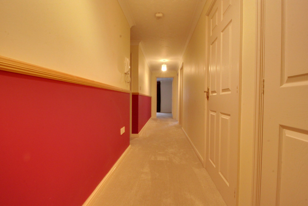 Image 9/11 of property Oakhill Close, Birmingham, B17 8DE