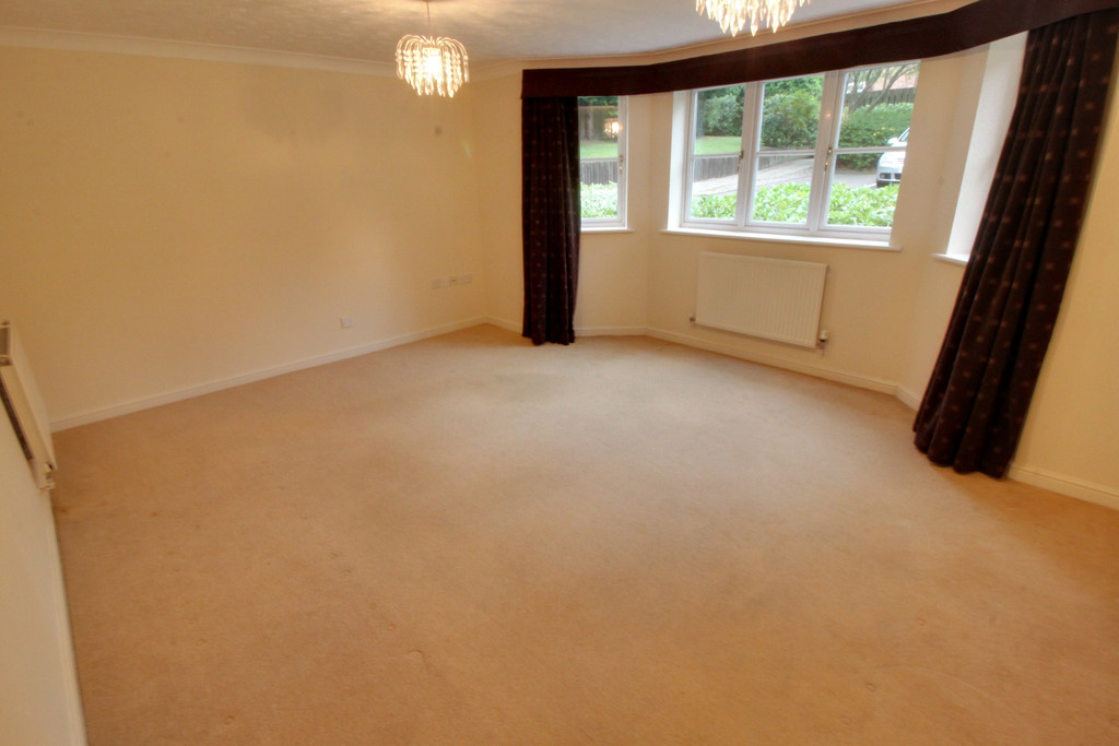 Image 1/11 of property Oakhill Close, Birmingham, B17 8DE