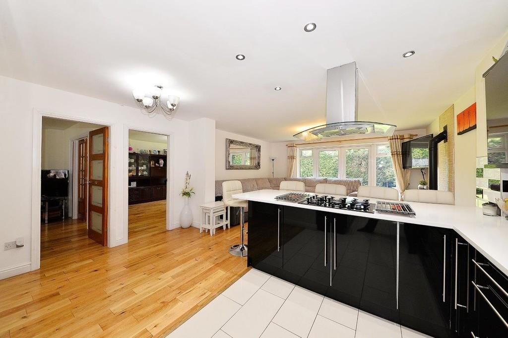 Image 5/17 of property Anstruther Road, Edgbaston, B15 3NW