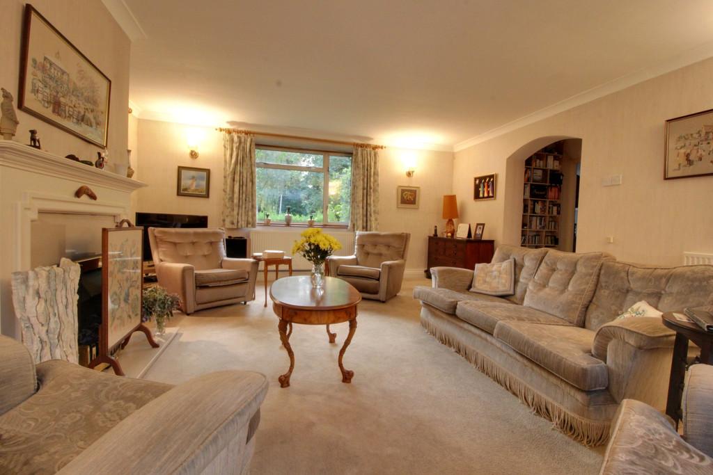 Image 2/18 of property Rodman Close, Edgbaston, B15 3PE