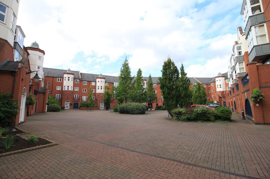 Image 10/10 of property Symphony Court, Brindley Place, Birmingham City Centre, B16 8AG