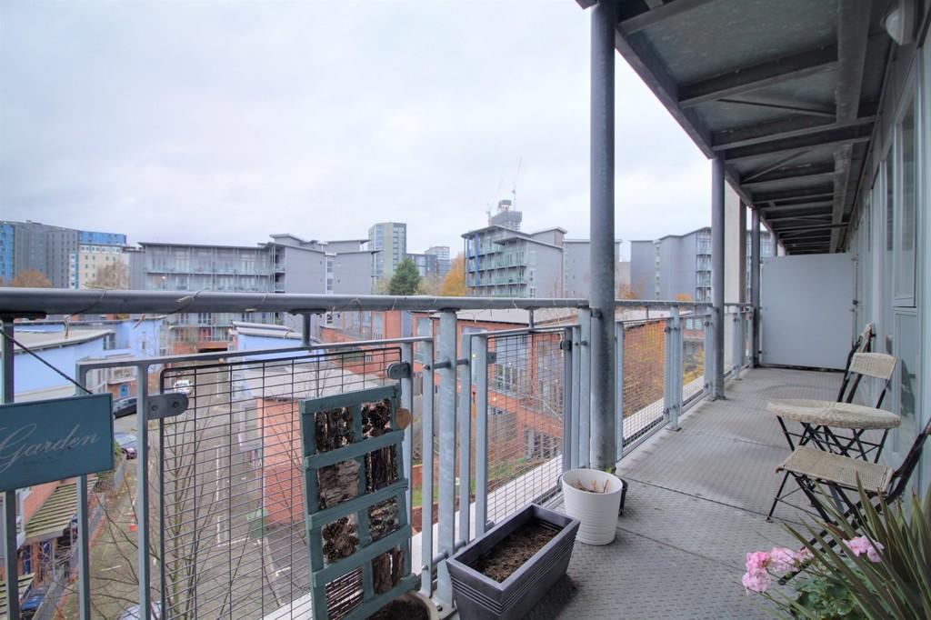Image 3/10 of property Longleat Avenue, Park Central, Birmingham City Centre, B15 2DF