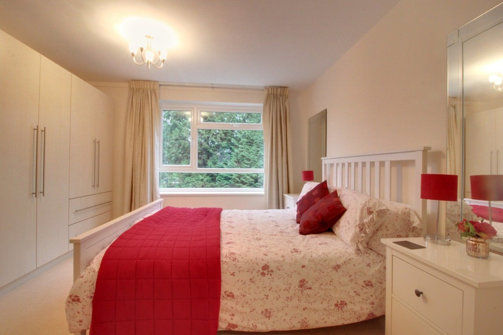 Image 6/9 of property Hindon Square Vicarage Road