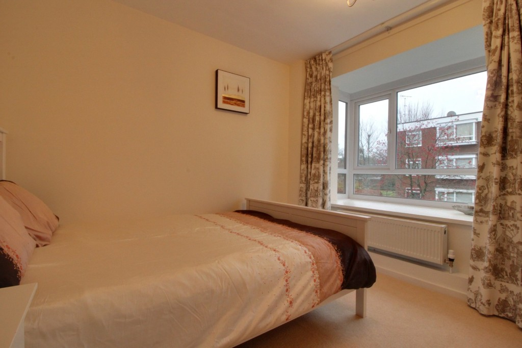 Image 7/9 of property Hindon Square Vicarage Road