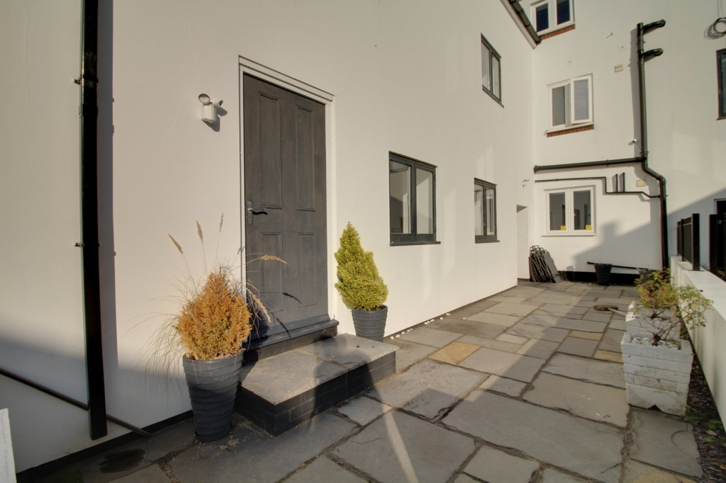 Image 6/11 of property Camden Court, Camden Street, Jewellery Quarter, B1 3DE