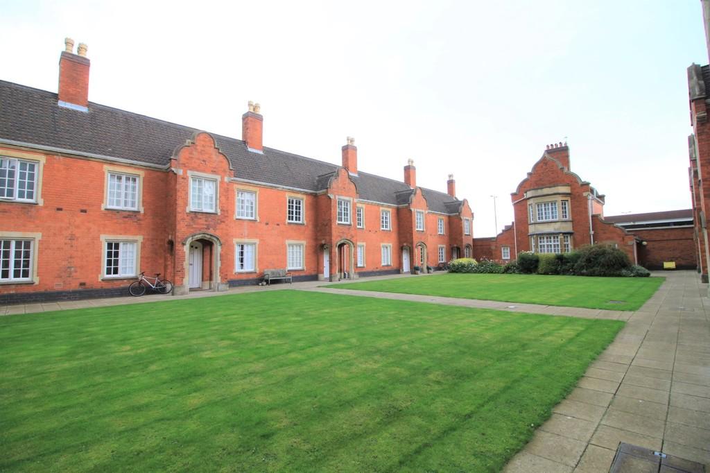 Garden Court, 231 – 232 Ladywood Middleway