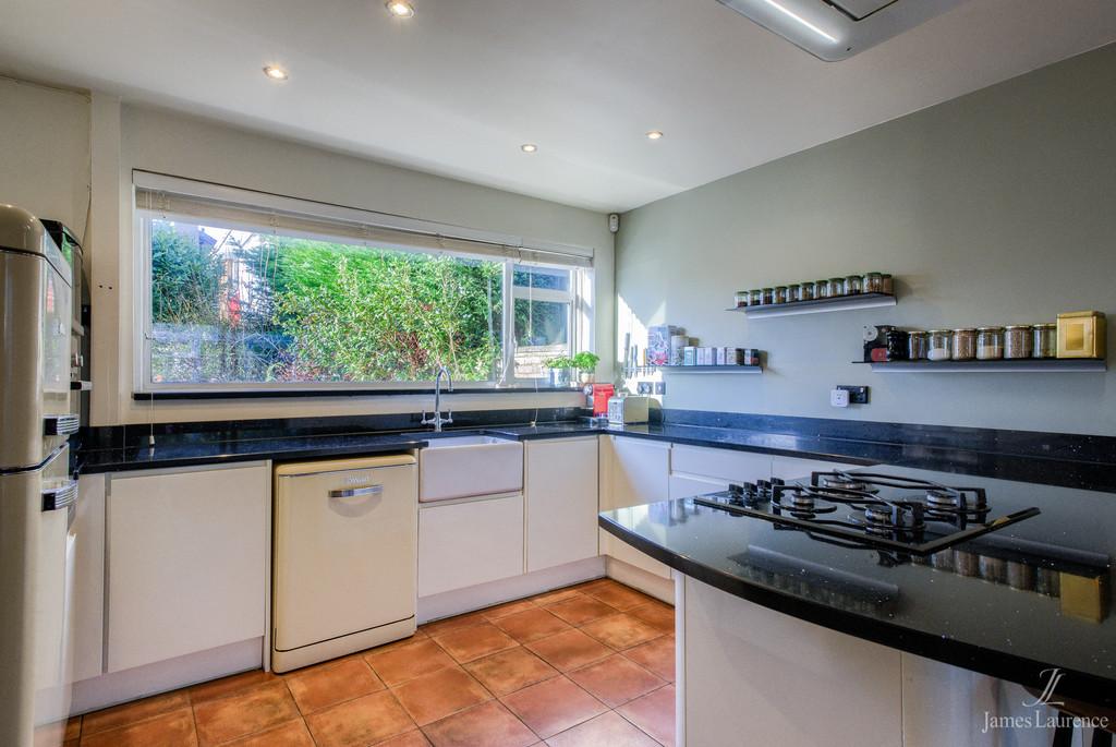 Image 7/21 of property Fugelmere Close, Harborne, B17 8SE