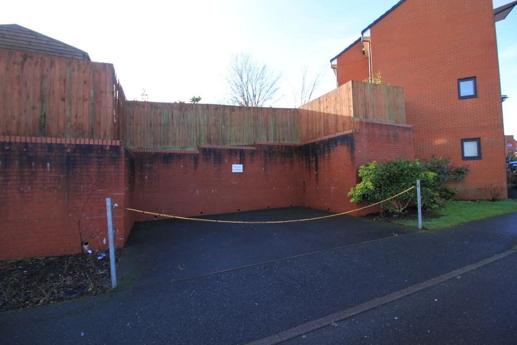 Image 10/12 of property Whitlock Grove, Birmingham, B14 4SB
