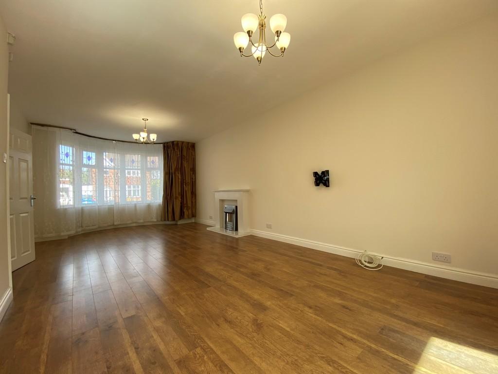 Image 6/14 of property Beverley Court Road, Quinton, Birmingham, B32 1HD