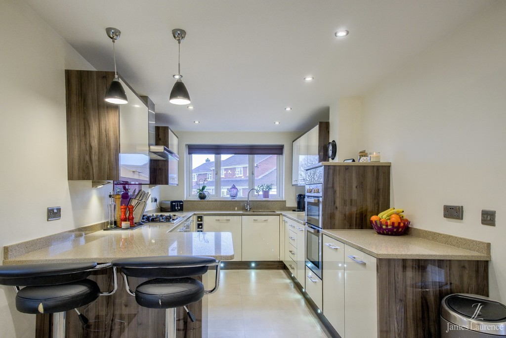 Image 11/19 of property Brookhus Farm Road, Sutton Coldfield, B76 1QP