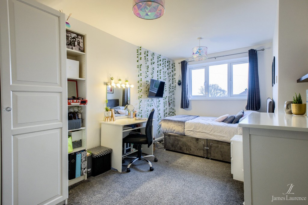 Image 13/19 of property Brookhus Farm Road, Sutton Coldfield, B76 1QP
