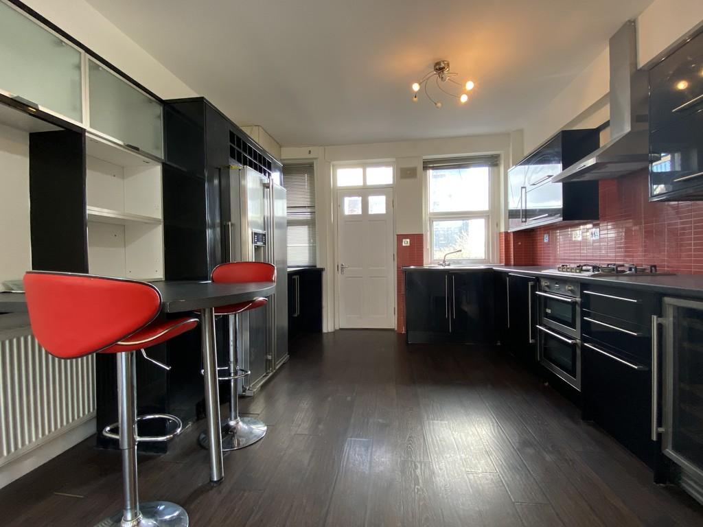 Image 3/16 of property Cropthorne Court, Calthorpe Road, Edgbaston, B15 1QP