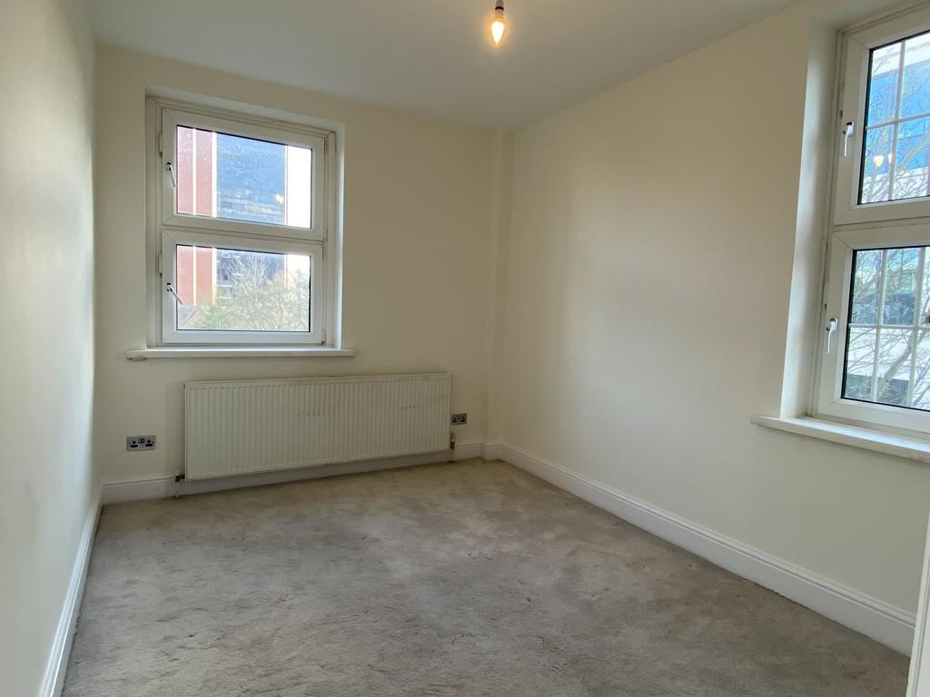 Image 13/16 of property Cropthorne Court, Calthorpe Road, Edgbaston, Birmingham, B15 1QP