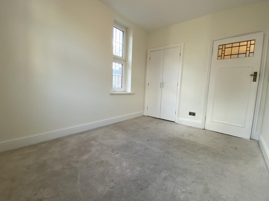 Image 14/16 of property Cropthorne Court, Calthorpe Road, Edgbaston, Birmingham, B15 1QP