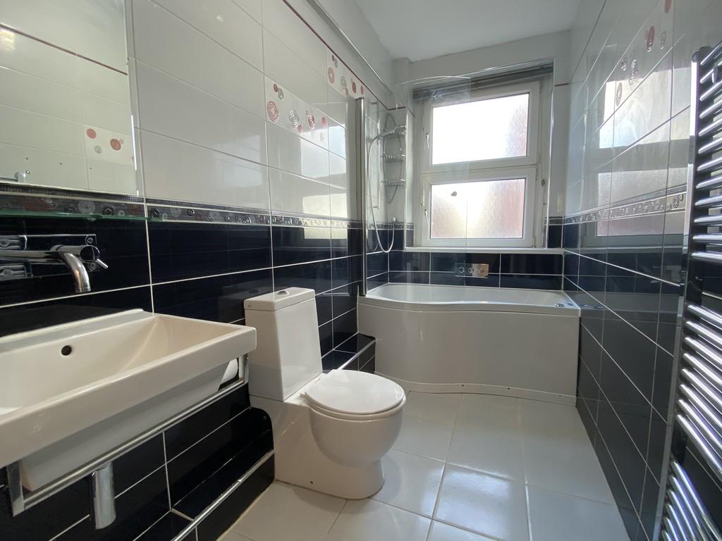 Image 12/16 of property Cropthorne Court, Calthorpe Road, Edgbaston, B15 1QP