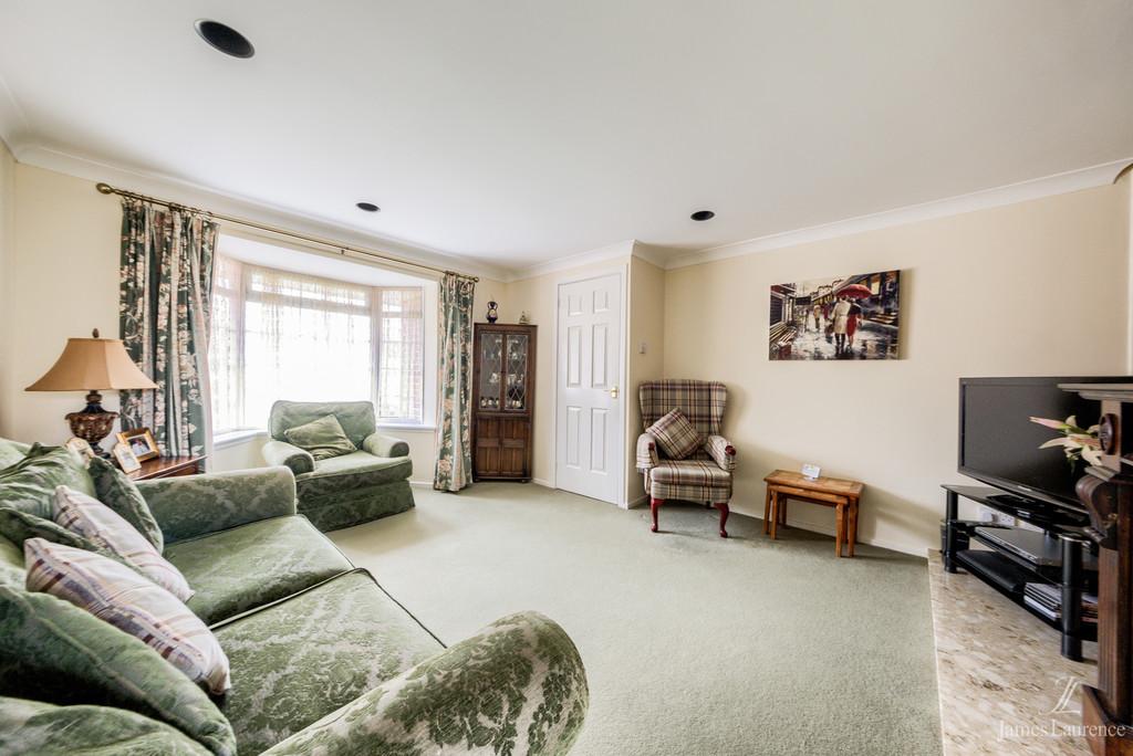 Image 3/13 of property Shandon Close, Birmingham, B32 3XB