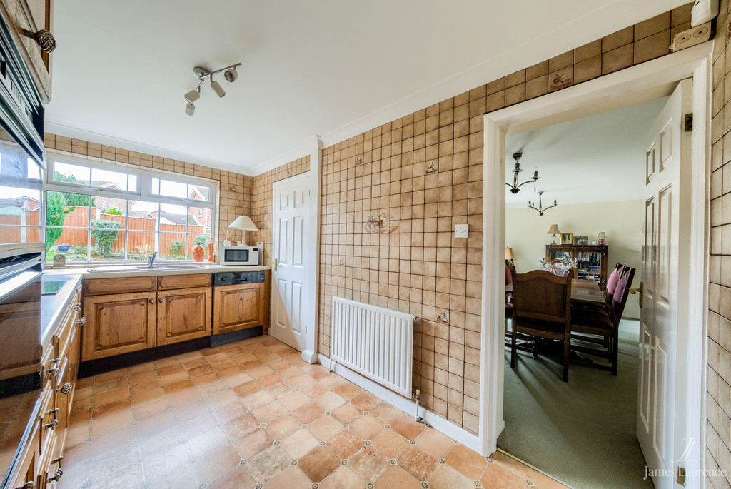 Image 12/13 of property Shandon Close, Birmingham, B32 3XB