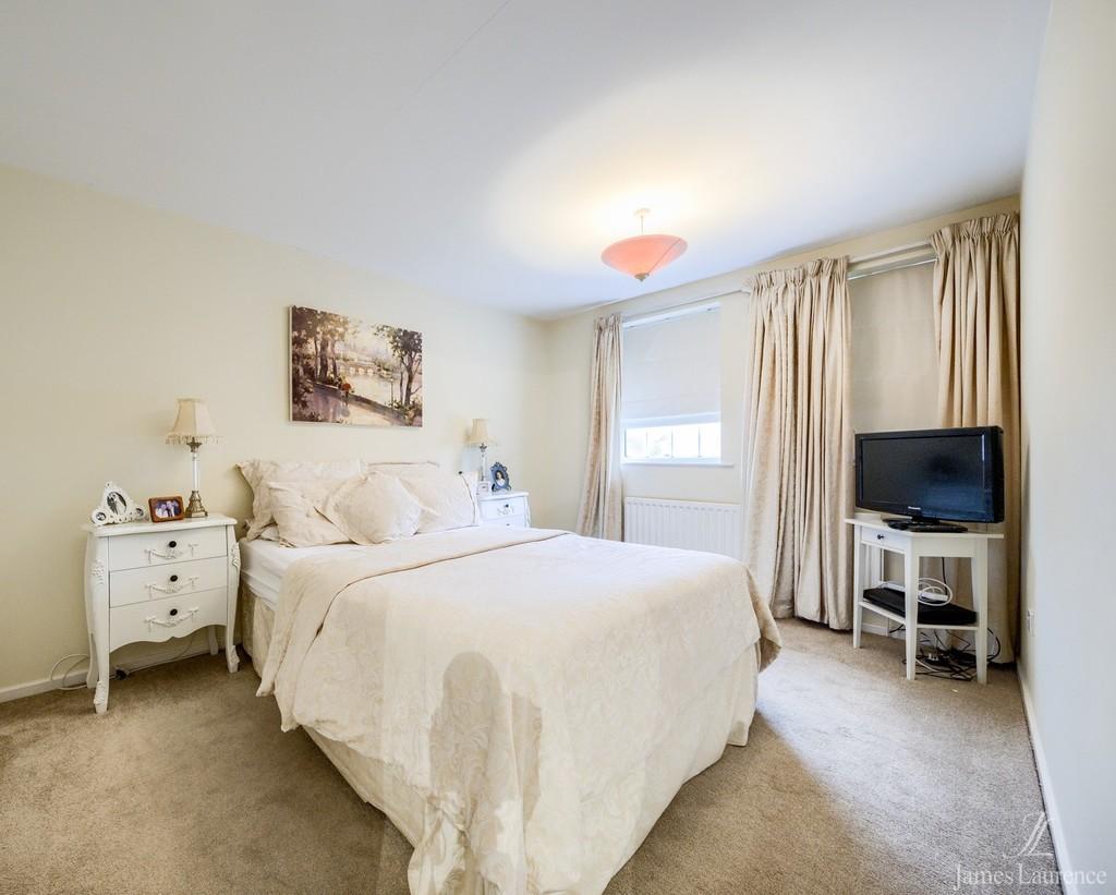 Image 6/13 of property Shandon Close, Birmingham, B32 3XB