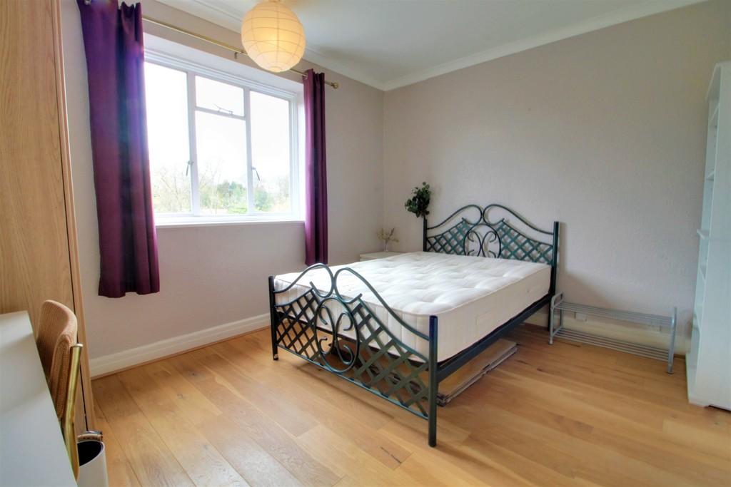 Image 9/12 of property Viceroy Close, Birmingham, B5 7UY
