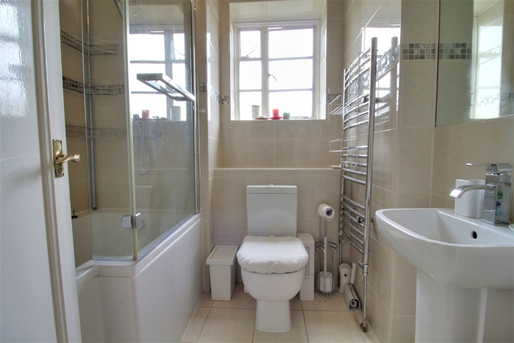 Image 10/12 of property Viceroy Close, Birmingham, B5 7UY