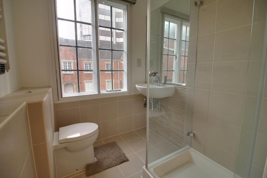 Image 6/11 of property Garden Court, 231 - 232 Ladywood Middleway, Birmingham City Centre, B16 8EU