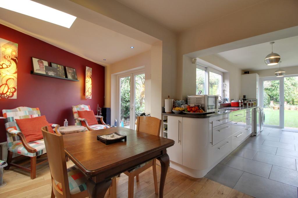 Image 5/14 of property Lelant Grove, Harborne, B17 9UA