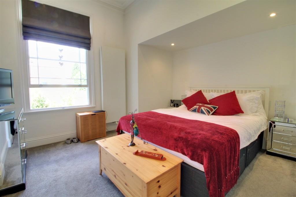 Image 13/18 of property Asquith House, 19 Portland Road, Edgbaston, B16 9HN