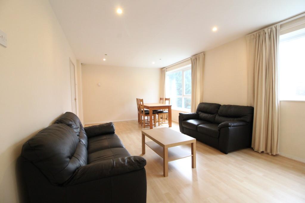 Image 4/8 of property 8 Hawthorne Road, Edgbaston, Birmingham, B15 3TY