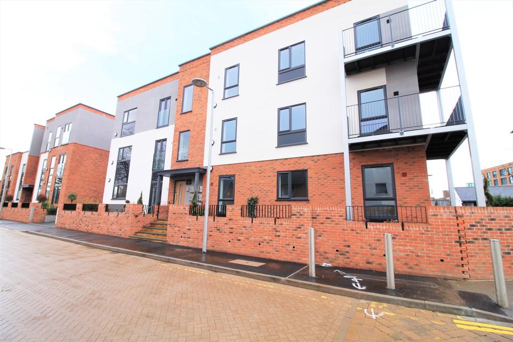 Image 1/10 of property St Catherines Close, Birmingham, B15 2FP