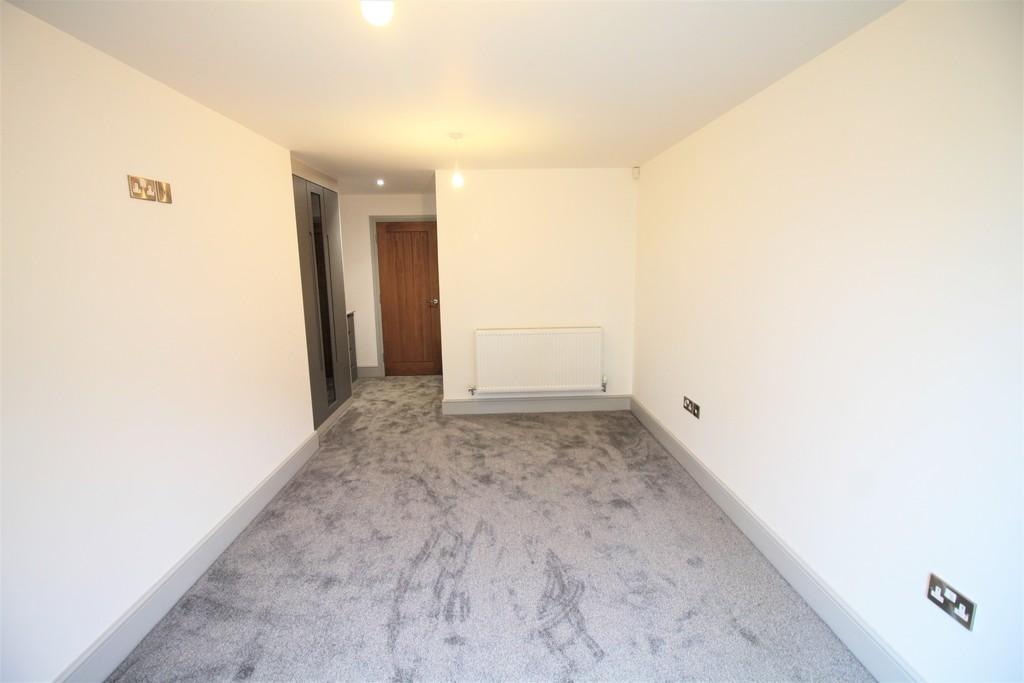 Image 7/10 of property St Catherines Close, Birmingham, B15 2FP