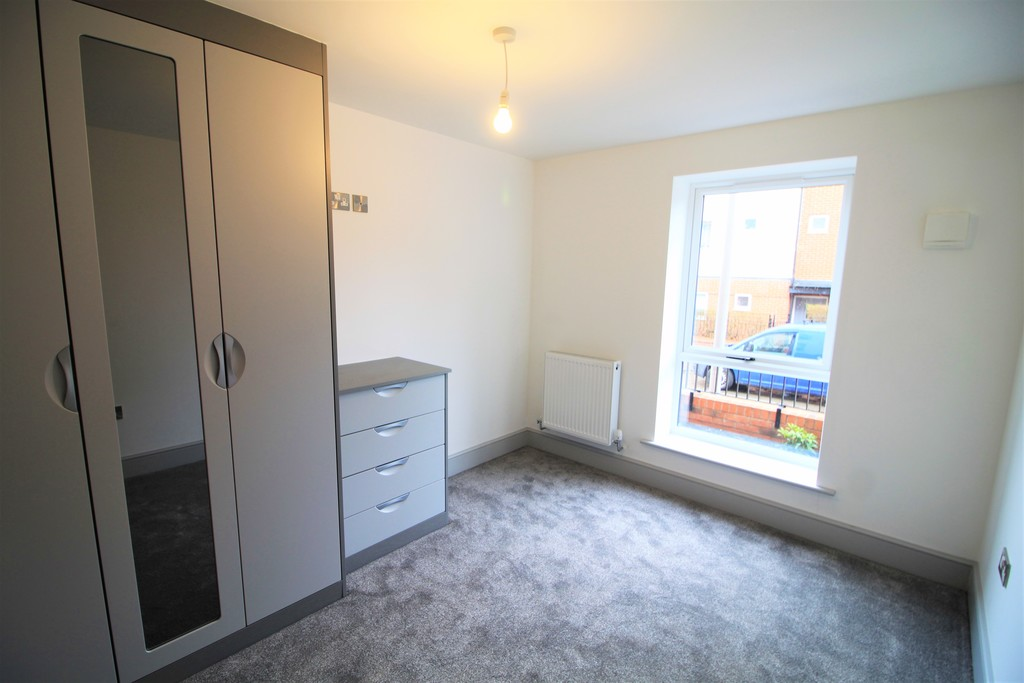 Image 9/10 of property St Catherines Close, Birmingham, B15 2FP