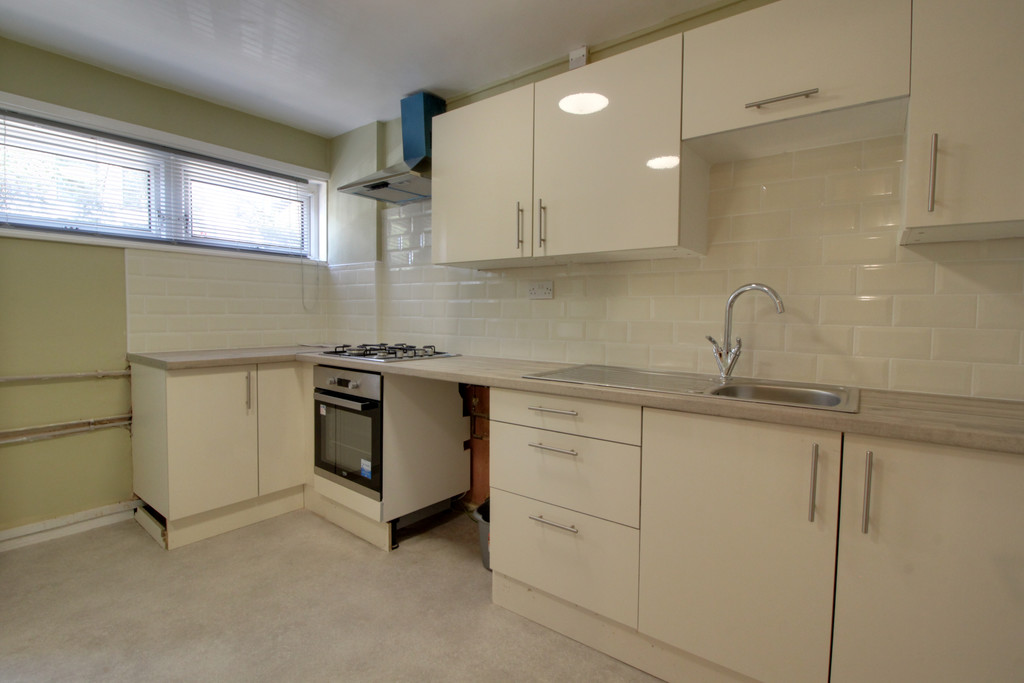 Image 7/16 of property Moss House Close, Birmingham, B15 1HE