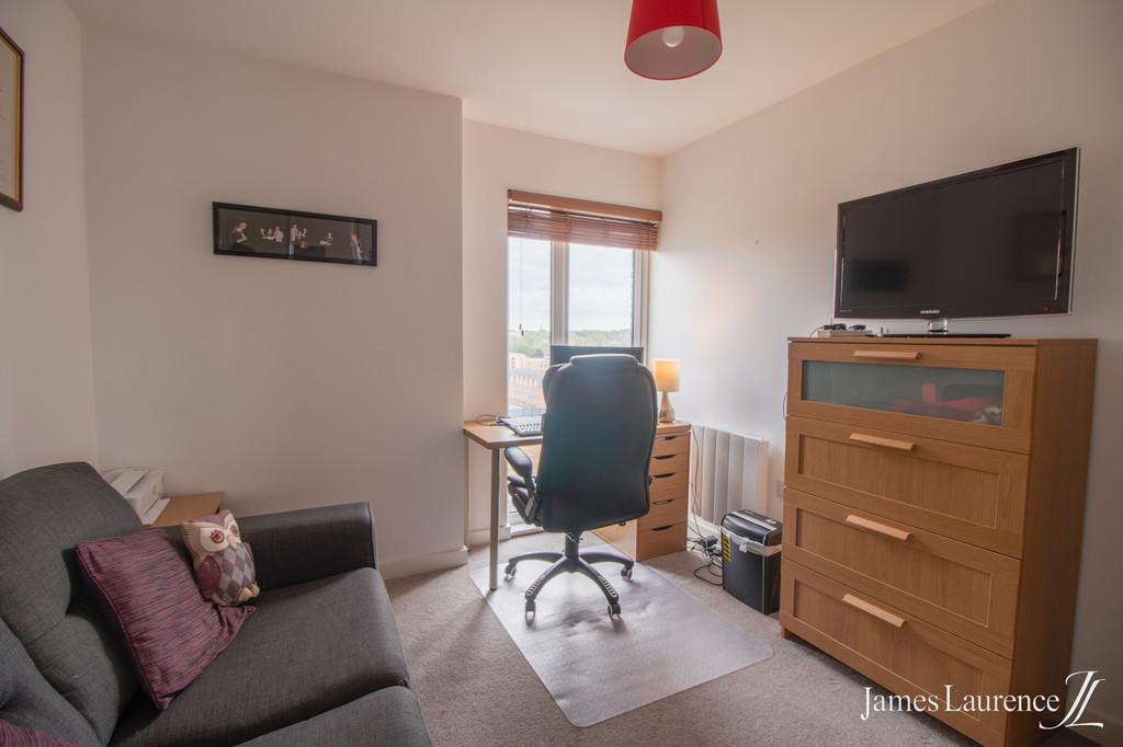 Image 6/9 of property Roosevelt Apartments, 1 Lexington Gardens, Park Central, B15 2DU
