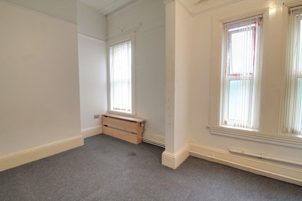 Image 6/18 of property Gillott Road, Birmingham, B16 0ES