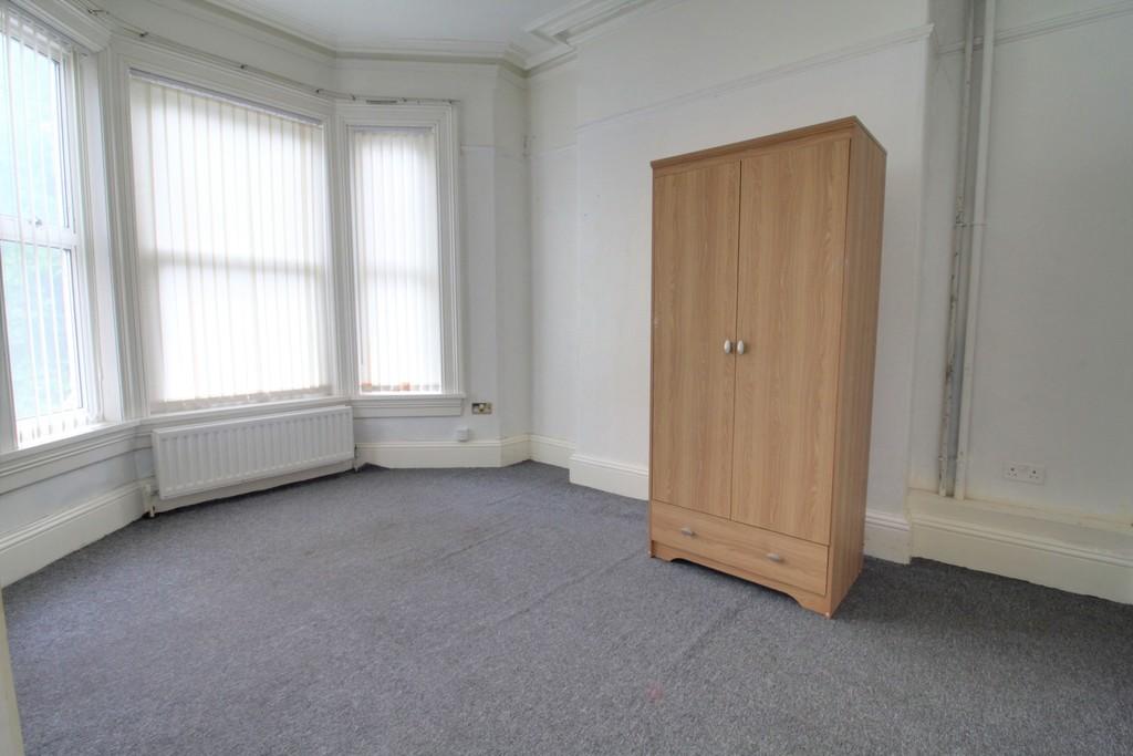 Image 7/18 of property Gillott Road, Birmingham, B16 0ES