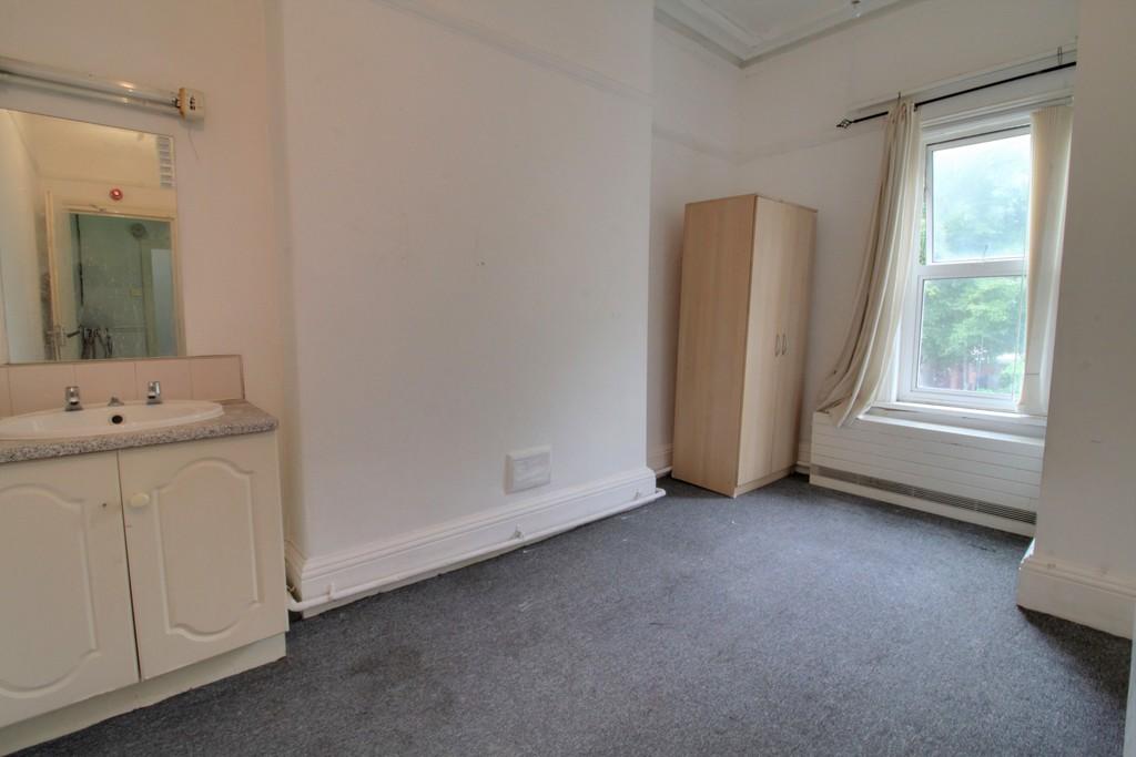 Image 9/18 of property Gillott Road, Birmingham, B16 0ES