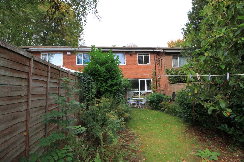 Image 10/13 of property Niall Close, Edgbaston, B15 3NX
