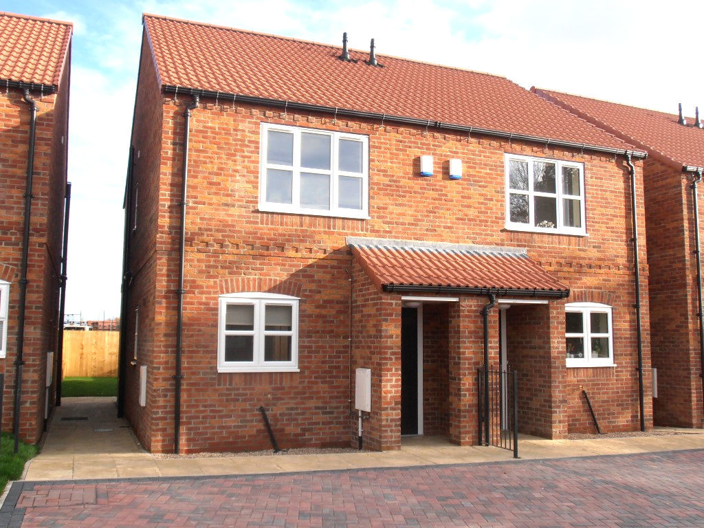 2 bedroom Semi-Detached House - Abbot's Close, Dawnay Park