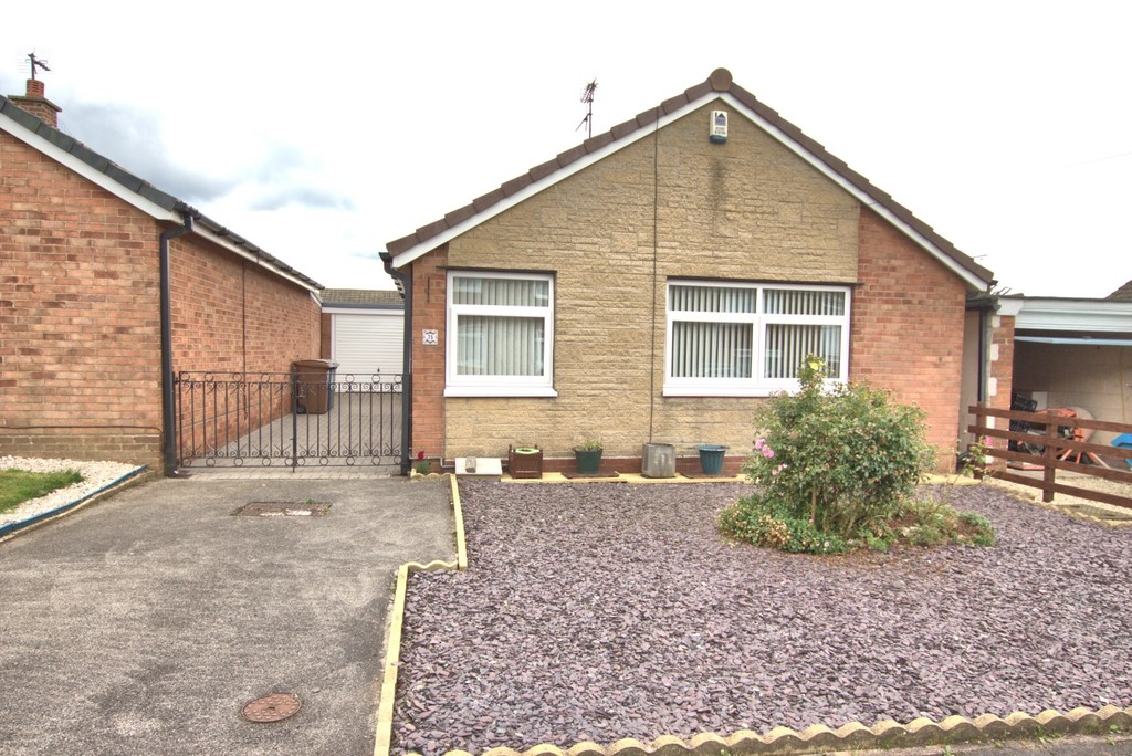 2 bedroom Detached Bungalow - Thoresby Avenue, Bridlington