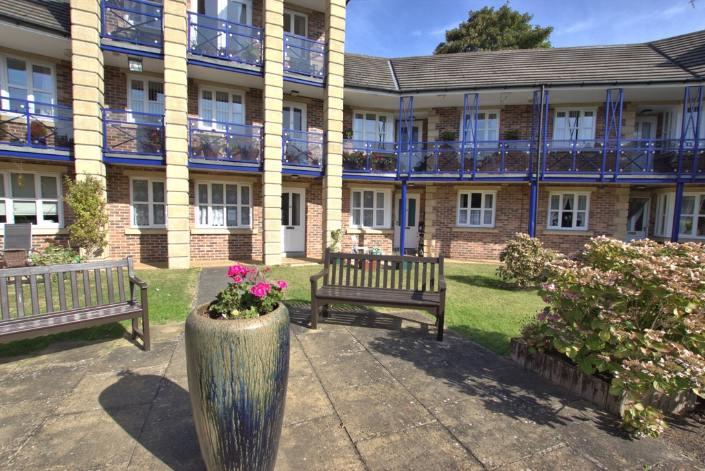 1 bedroom Apartment - Avenue Court, Westgate, Bridlington