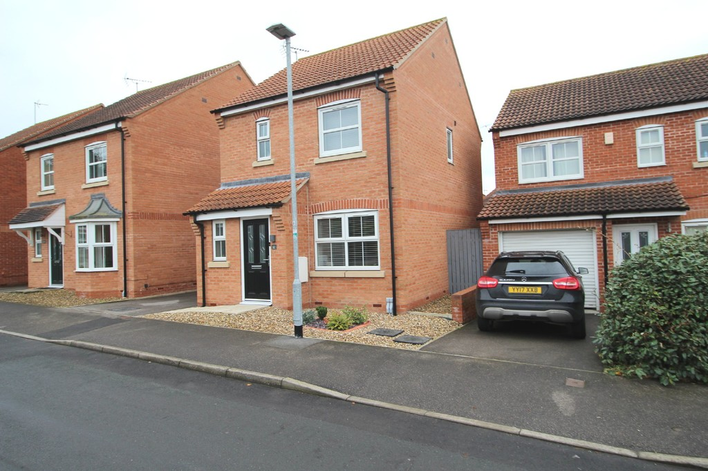 3 bedroom Detached House - Woodland Rise, Driffield