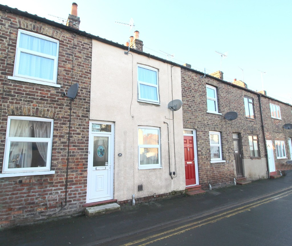 2 bedroom Mid Terraced House - Westgate, Driffield