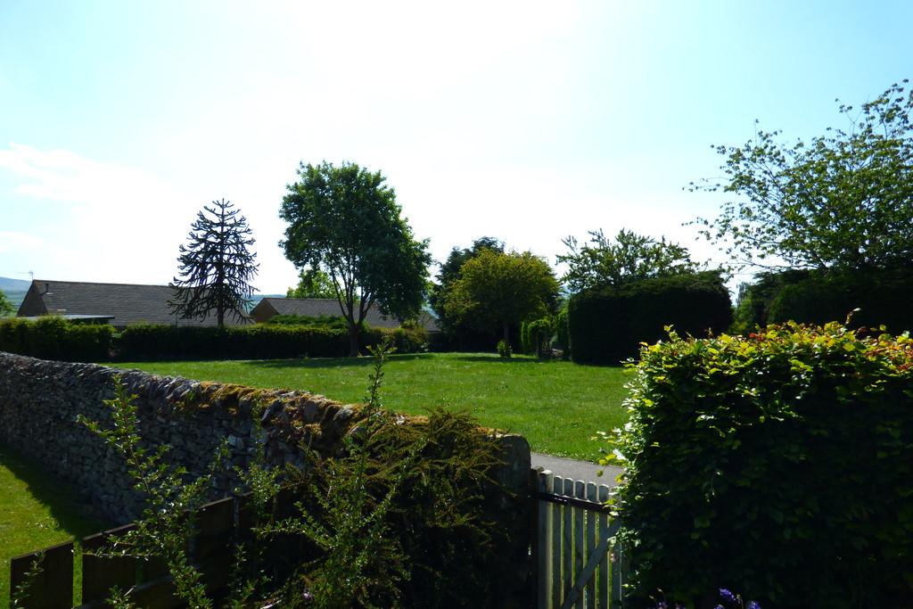 Penhill View, 14 St Matthews Close, Leyburn - 0