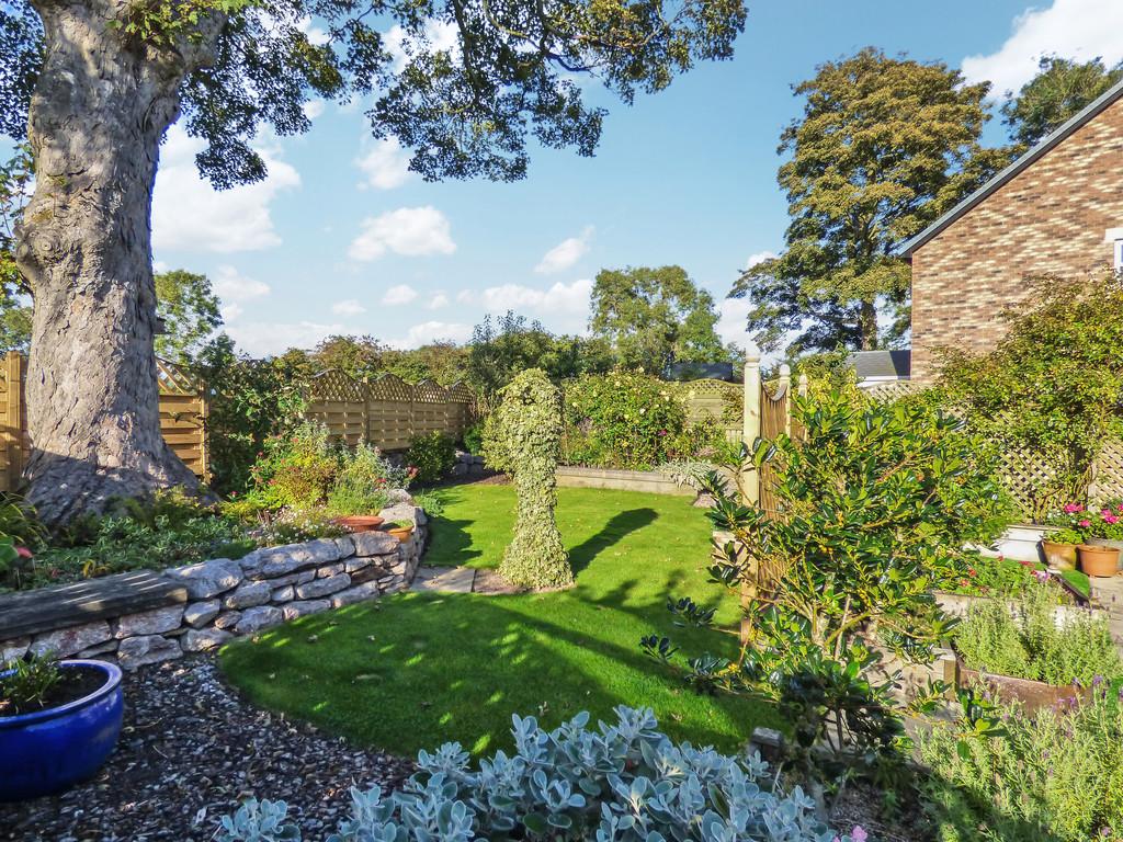 39 Birkbeck Gardens - 0
