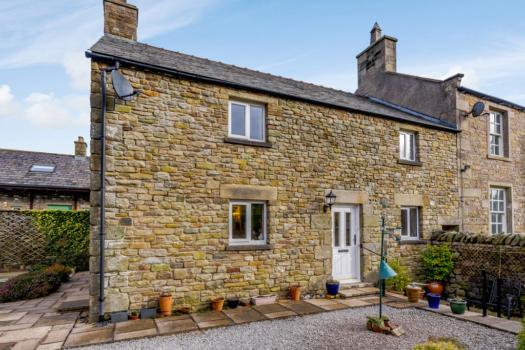 Pear Tree Cottage, Low Bottom - 0
