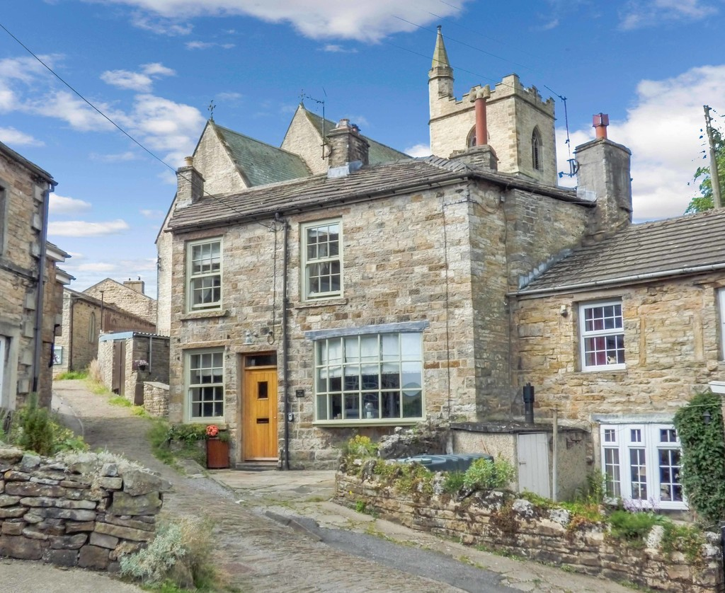 House On The Hill, Hawes - 0