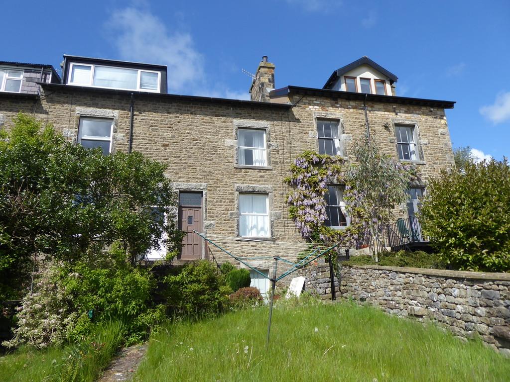 8 Highfield Terrace, Low Bentham - 0